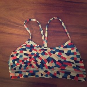 Lululemon sport bra / size 4 colorful